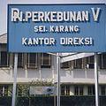 COLLECTIE TROPENMUSEUM Bord directiekantoor TMnr 20014950.jpg