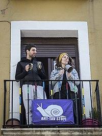 https://upload.wikimedia.org/wikipedia/commons/thumb/d/d2/COVID35_Iruñean_-_El_ejército_en_las_calles.jpg/200px-COVID35_Iruñean_-_El_ejército_en_las_calles.jpg