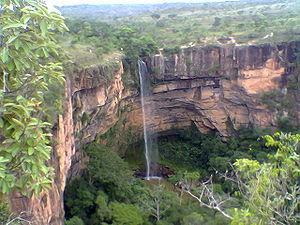 Chapada dos Guimarães National Park - Image: Cachoeira Véu de Noiva