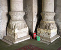 Cairo, moschea di ar-rifai, interno, basi di colonne.JPG