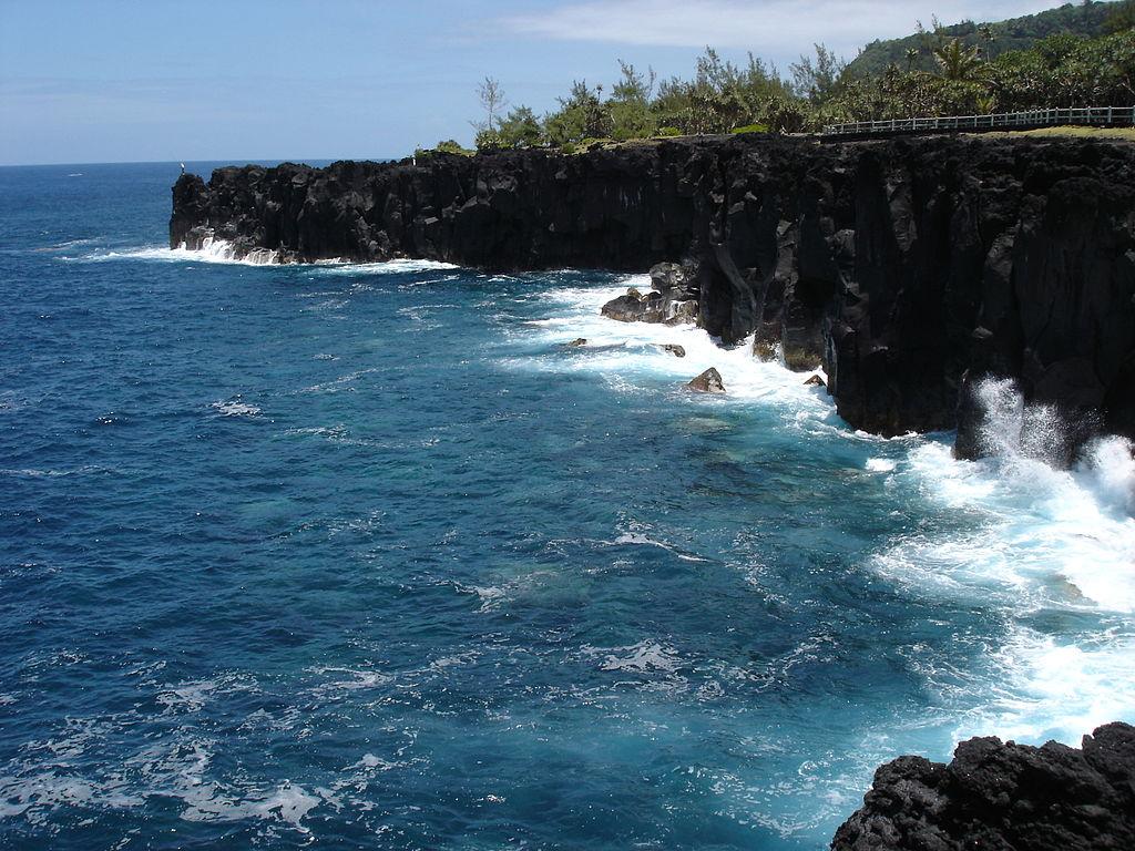 Le Cap Méchant de Saint-Philippe (la Réunion). (définition réelle 2592×1944 *)