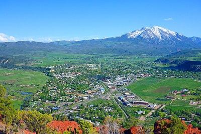 Mount Sopris, ten zuiden van de stad, gezien vanaf Red Hill / Mushroom Rock