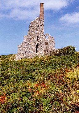 Carn Galver Engine Houses - geograph.org.uk - 1961519