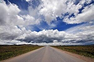 Carretera en el Altiplano - Bolivia.jpg