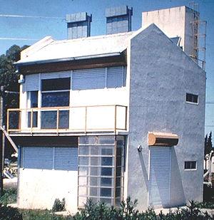 Chimenea solar wikipedia la enciclopedia libre - Diseno de chimeneas para casas ...