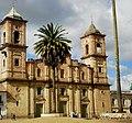 Catedral de Zipaquirá a las 13-35 pm (y si no ajusten sus ojos al reloj de la torre...jaja) - panoramio.jpg