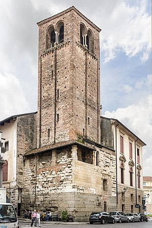 Vicenza Cathedral - Image: Cathedral (Vicenza) Campanile