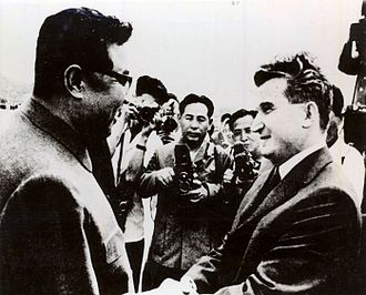 Kim Il-sung - Kim greets visiting Romanian President Nicolae Ceaușescu in Pyongyang, 1971.
