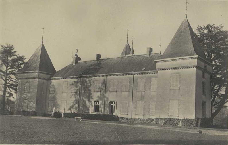 File:Château de la Pélissonnière.tif