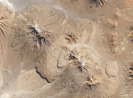 Chao dacite coulee flow-domes (left center), northern Chile, viewed from Landsat 8 Chao dacite domes.jpg