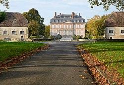 Chateau-de-Noyen-sur-Seine-DSC 0188.jpg