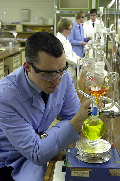 File:Chemistry Lab.jpg