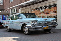 Chrysler New Yorker (1959).jpg
