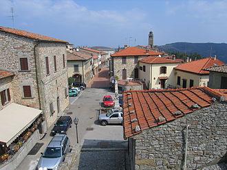 Civitella in Val di Chiana - The village of Civitella di Val di Chiana from the castle.