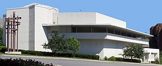 Architecture of Kansas City - Community Christian Church, designed by Frank Lloyd Wright and located adjacent to the Country Club Plaza