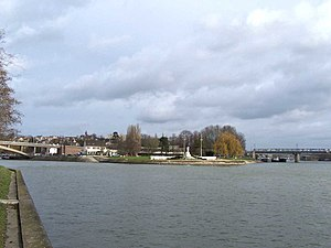 Conflans-Sainte-Honorine - Confluence of Oise (left) and Seine (right) rivers