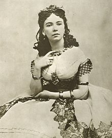 http://upload.wikimedia.org/wikipedia/commons/thumb/d/d2/Cora_Pearl_(A).jpg/220px-Cora_Pearl_(A).jpg