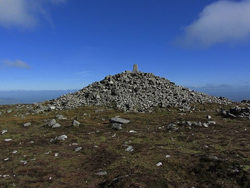 Cuilcagh - Summit cairn & trig point (geograph 3762624)