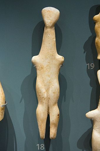 Female marble figurine from Naxos, Louros type (EC I-II, 2800-2700 BCE; Ashmolean Museum, Oxford) Cycladic figurine female, 2800-2700 BC, AshmoleanM, AN 1946.117, 142416.jpg