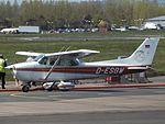 D-ESGW Cessna Skyhawk 172 (26832625176).jpg