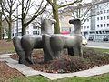 DO-Pferdeskulpturen mitohne Brunnen-Willy Meller 02.jpg