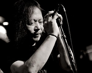 Damo Suzuki - Suzuki performing in 2012
