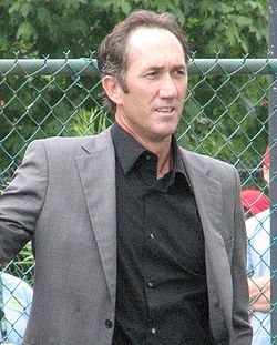 Darren Cahill at the 2009 Indianapolis Tennis Championships 01 (crop).jpg