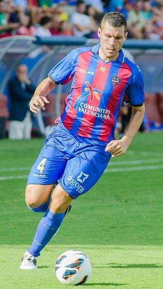David Navarro (footballer) - Navarro in action for Levante in 2012