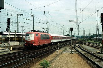 Intercity (Deutsche Bahn) - An Intercity train at Karlsruhe in 1995