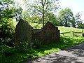 Derelict building by walk to Loch Humphrey - geograph.org.uk - 828550.jpg