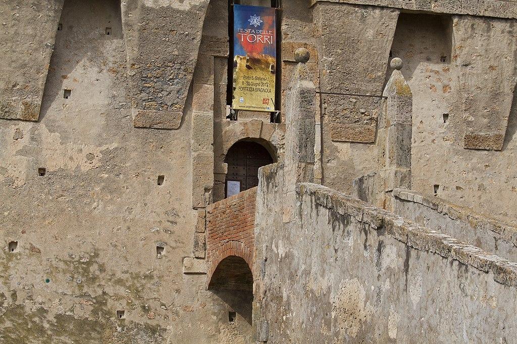 Fortezza Spagnola, ingresso