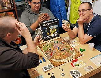 Discworld: Ankh-Morpork - People playing the game