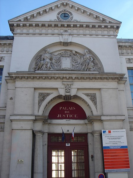 Douai - tribunal