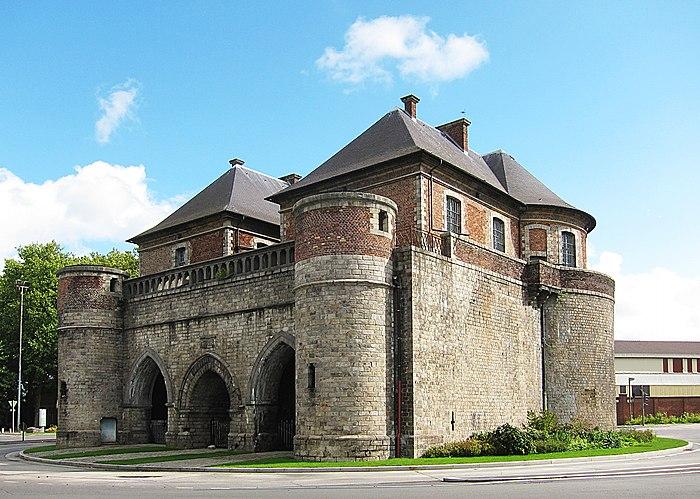 porte de valenciennes ou porte vacqueresse monument