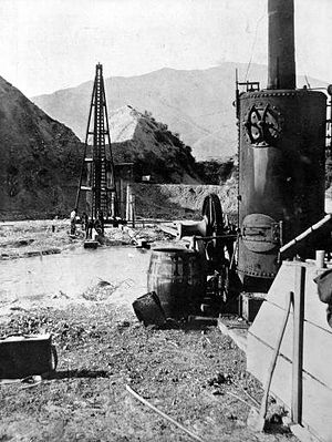 Midland Line, New Zealand - Driving piles for the Cass River bridge in 1911
