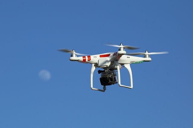 Полиция вернула принадлежащий Почте Швейцарии дрон, который упал в Цюрихское озеро