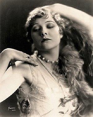 Dorothy Dunbar - Image: Dunbar Hartsook
