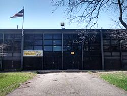 Dyett High School in May 2015.jpg
