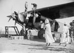 ETH-BIB-Tanken in Mongalla-Kilimanjaroflug 1929-30-LBS MH02-07-0131.tif