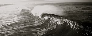 Swell (ocean) - Breaking swell waves at Hermosa Beach, California
