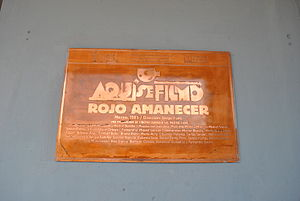 Rojo Amanecer - Plaque in the Chihuahua building of Tlatelolco indicating the filming of the movie.