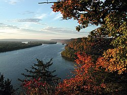 Il fiume Mississippi visto dal Effigy Mounds National Monument, in Iowa