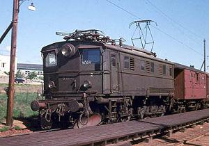NSB El 5 - NSB El 5 2041 outside Sandesund Station