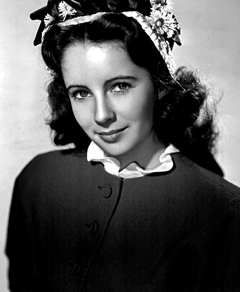 Elizabeth Taylor-1945