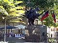 Estatua de Simon Bolivar en la Plaza Bolívar De Chacao.jpg