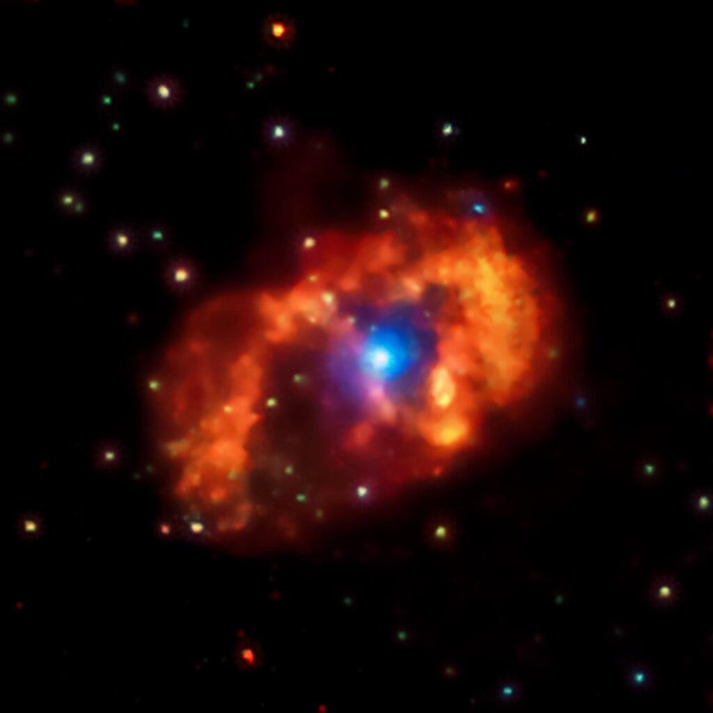 Изучение системы Eta Carinae поможет понять взаимодействие звезд (2 фото)