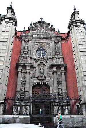 La Enseñanza Church - Main portal of the church