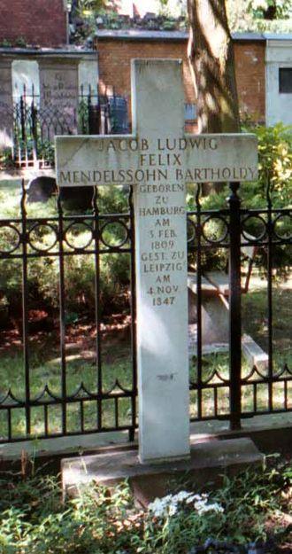 Felix Mendelssohn - Mendelssohn's gravestone at the Dreifaltigkeitsfriedhof