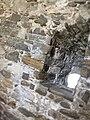 Feritoia nel castello di Pietrapertosa.jpg