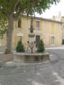Fontaine dans Châteauneuf-de-Gadagne by Mikani.png